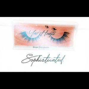 Yas Hunti 100% Mink eyelashes